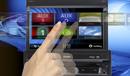 Intuitiv zu bedienender Touchscreen, der bei Nichtgebrauch eingefahren wird.